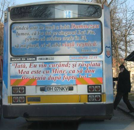 Mesaje din Biblie, pe un autobuz din Oradea